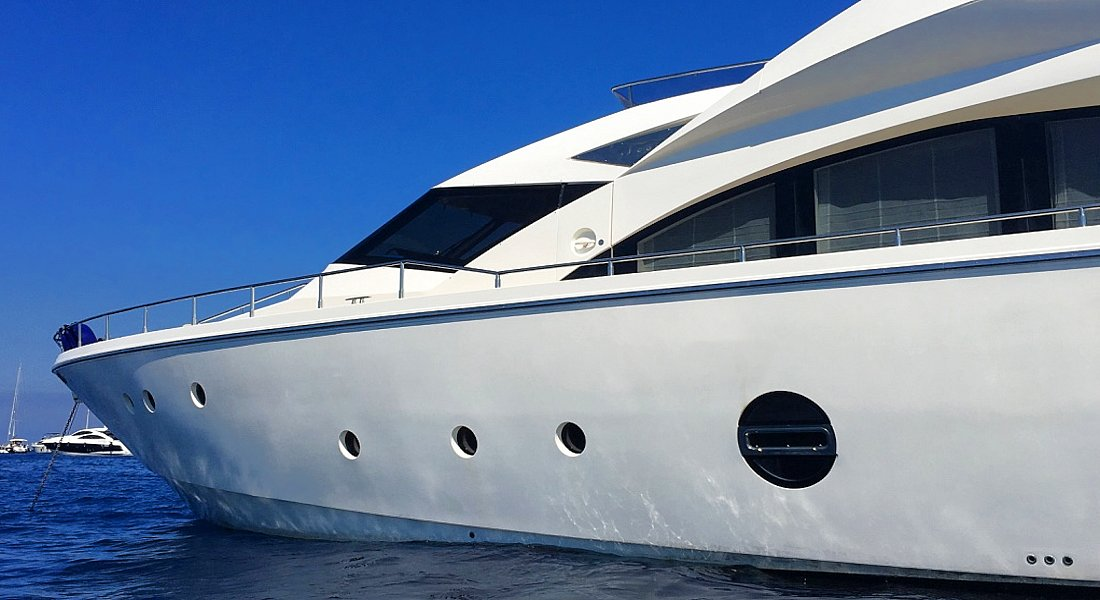 QUESTA E VITA - Charter Motor Yacht Greece - HELLAS YACHTING
