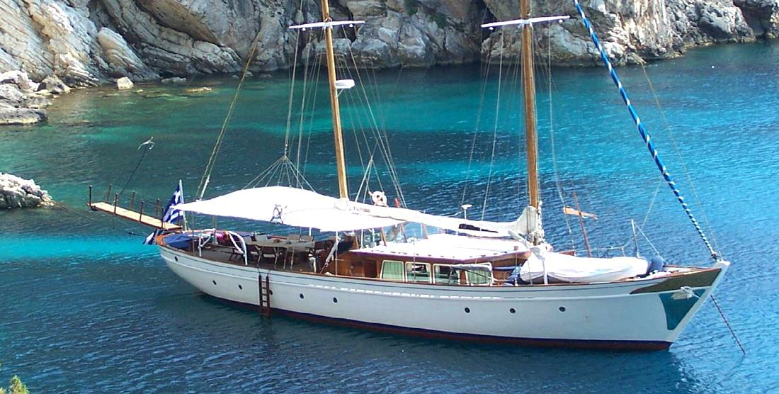 Motor Sailer Charter in Greece - HELLAS YACHTING