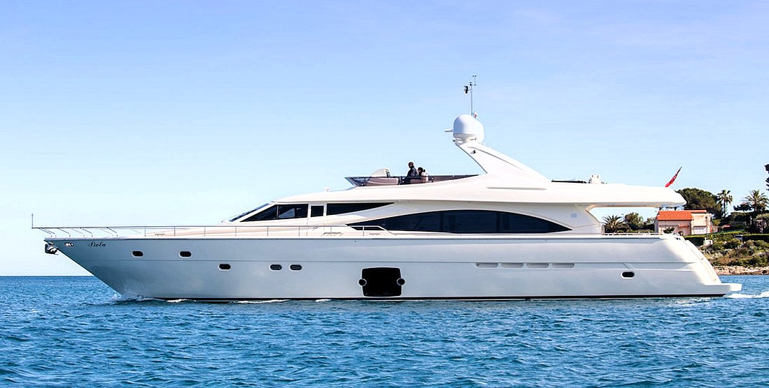 PIOLA - Charter Motor Yacht in Greece - HELLAS YACHTING