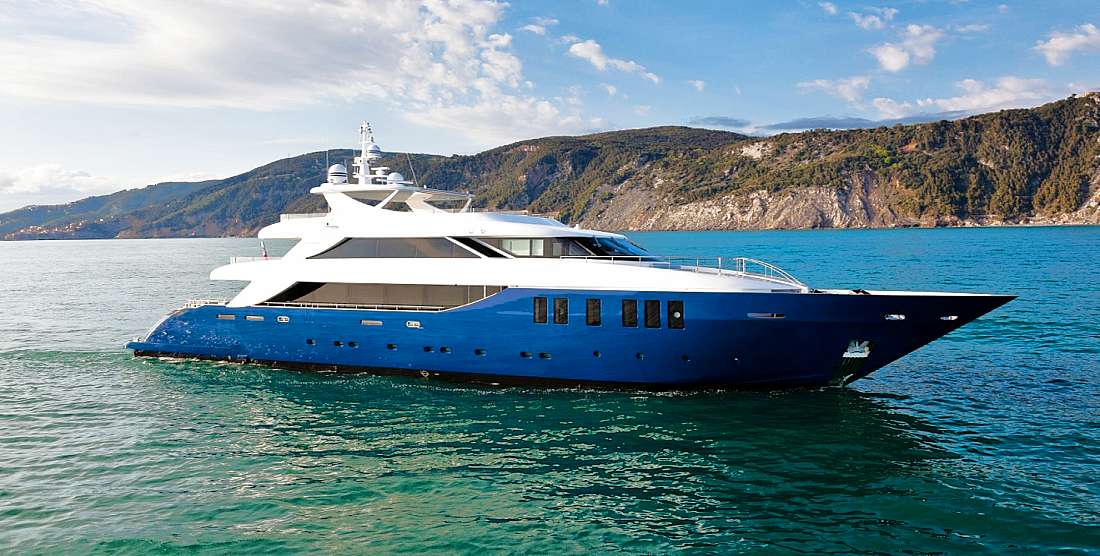 IPANEMAS - Charter Motor Yacht in Greece - HELLAS YACHTING