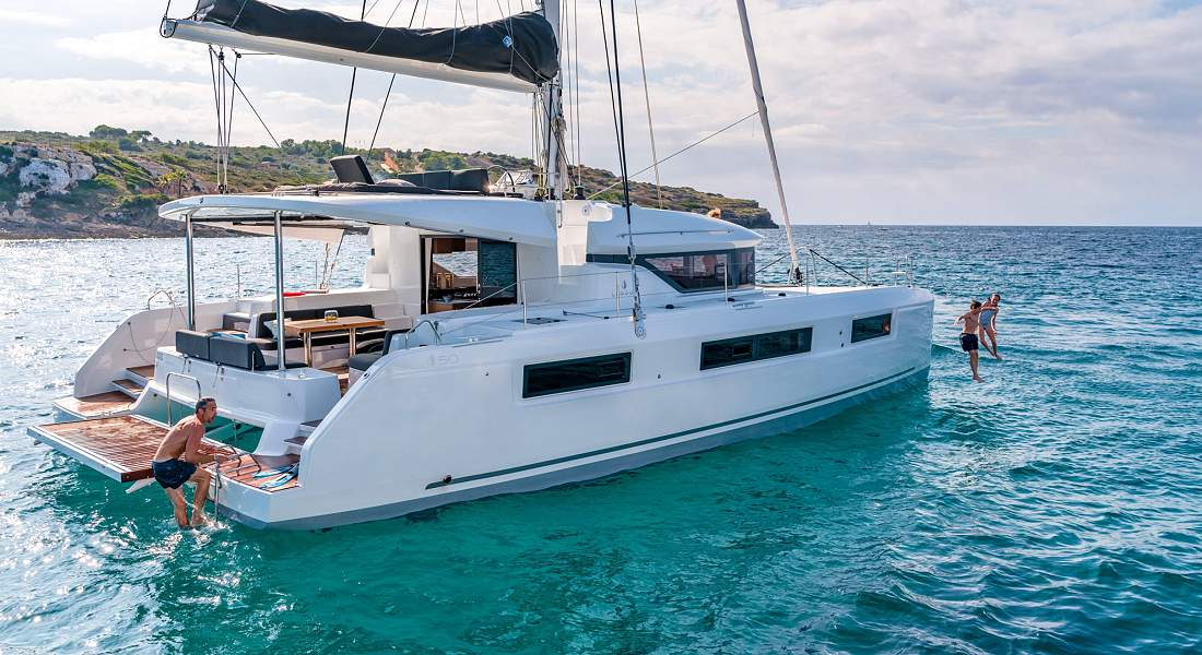 NOMAD II - Luxury Charter Catamaran Greece - HELLAS YACHTING