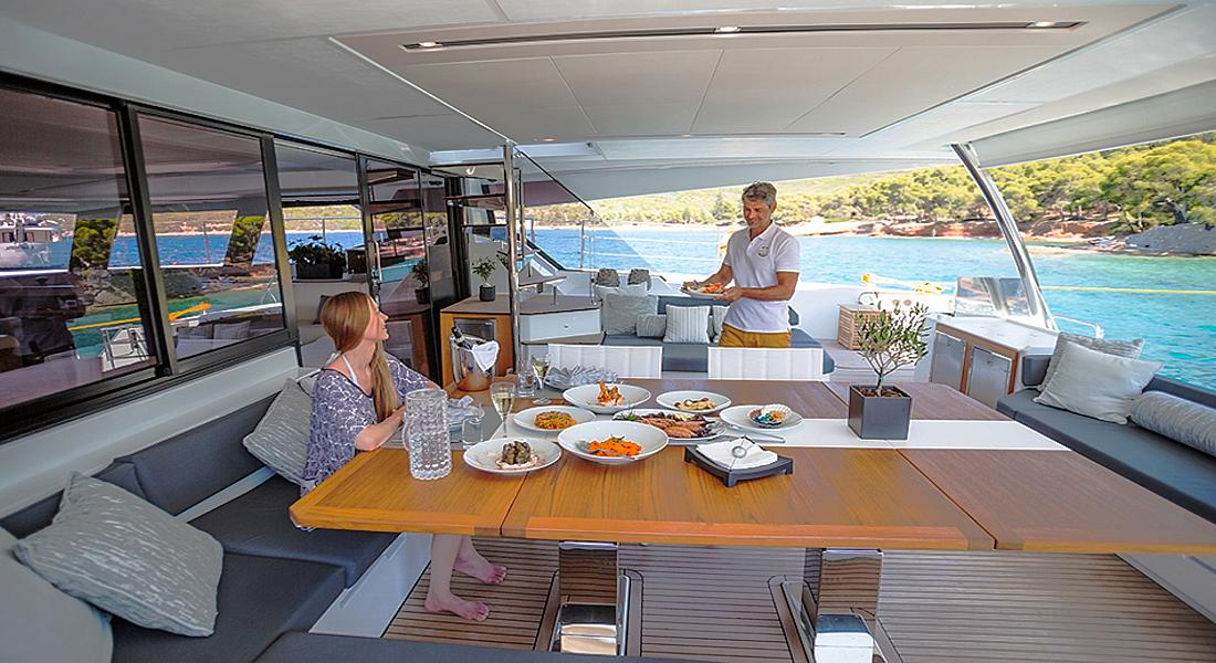 Power catamaran CHRISTAL MIO in Greece - HELLAS YACHTING