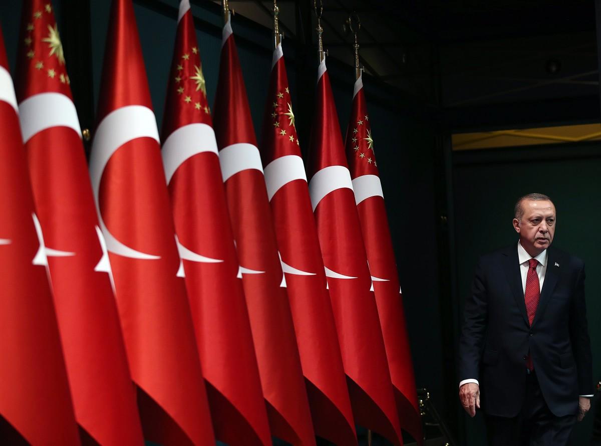 """Το """"χοντραίνει"""" άγρια ο Ερντογάν: Στέλνει μήνυμα στην Ευρώπη με συγκέντρωση στο Σεράγεβο"""