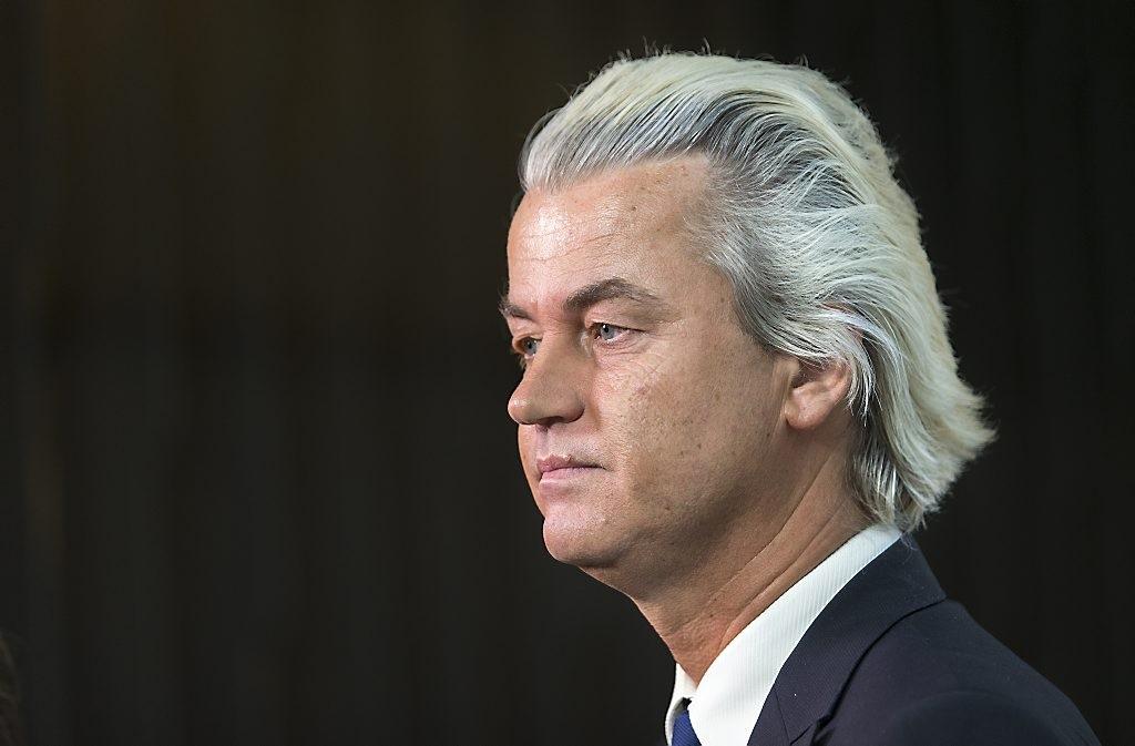 [:en]Geert Wilders launches 'de-Islamization' manifesto [:el]O Βιλντερς ειπε οτι θα απαγορευσει καθε μουσουλμανικο συμβολο[:]