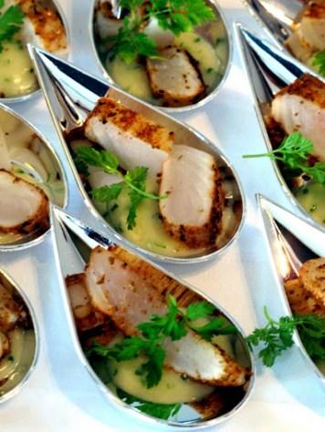 Lettstekt fisk i smørsaus.
