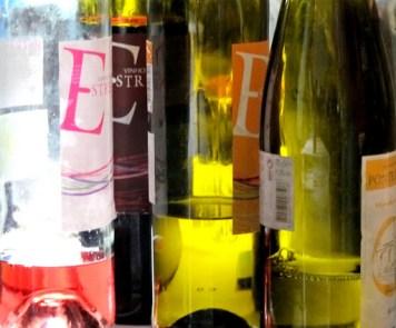 Estrela («Premiere» på Portugisisk) hadde en utsøkt perlende, rød vinho verde.