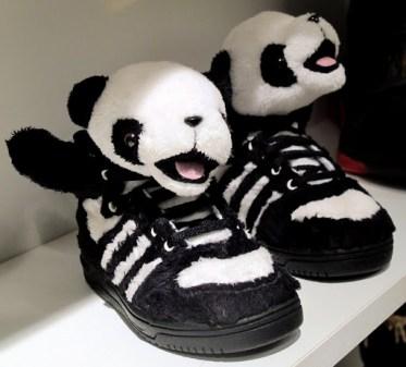 Gambit Hill&Knowlton: Barnesko fra Adidas.