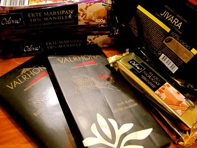 Valhrona-sjokolade, bløt nougat og marsipan. Jeg er klar for å lage julekonfekt!