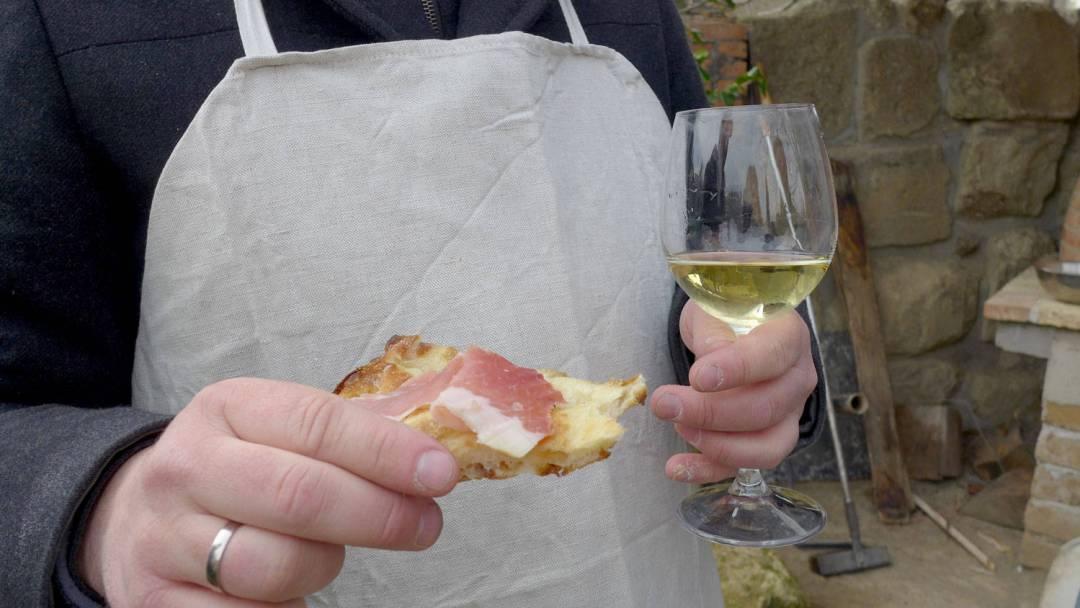 Rosmarinpizza med god skinke. Trenger ikke mer for å kalle det pizza, skal jeg si deg.