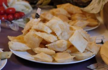 Friterte brød. Lyst til å lage? Oppskrift finner du på bloggen. Søk på Gnocco Fritto, og du finner den.
