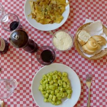Et klassisk italiensk bord. Grenser nesten over til klisje, men så vakkert.