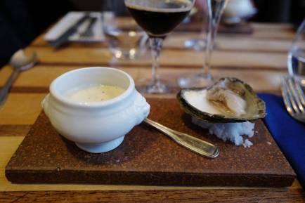Vidundelig fiskesuppe og svenske østers.