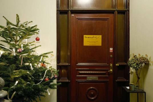 ...bak denne døren... ligger Style by Mouche.