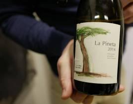 La Pineta 2013 fra Podere Monastero koster kr. 591,40. Vinen er svært aromatisk og passer like godt til mat som til kos.