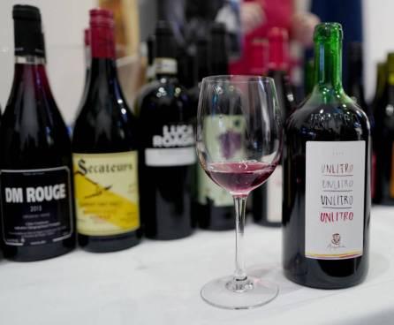 Unlitro 2015 fra Ampeleia, Toscana. Økovin i litersflaske til ca kr. 214,90. En helt super og deilig vin.