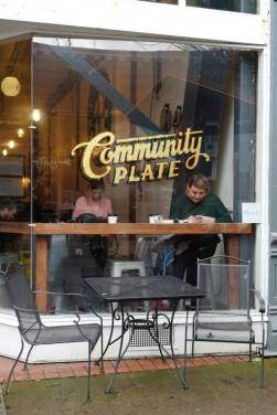 Community_plate6