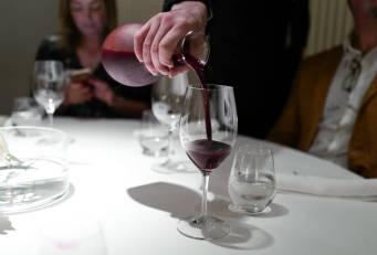 Juice laget av røde frukter, druer, rosmarin, timian og mynte. Vin uten å være vin, slik man også kan resentere den i La Rioja.