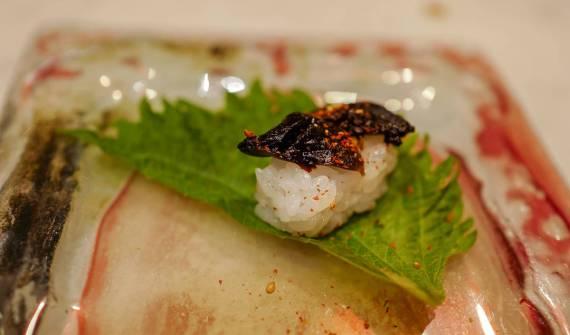 Black garlic nigiri