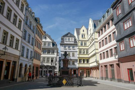 Frankfurt_germany_helleskitchenL1500138
