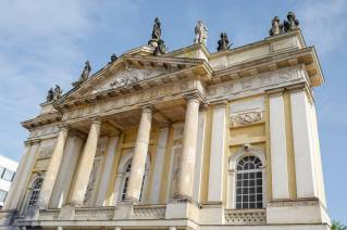 Potsdam_germany_helleskitchenL1510358