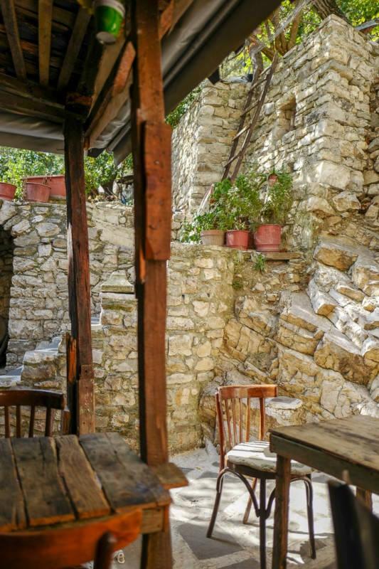 Albania_helleskitchen_tiranaL1540318
