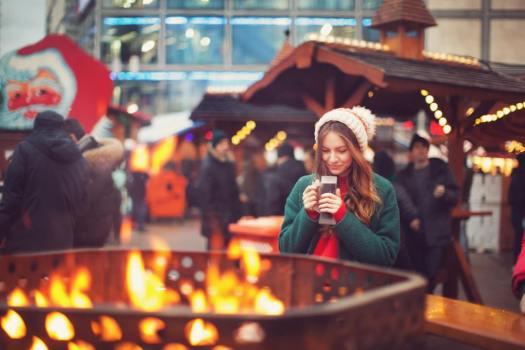 Berlin Christmas market close to Alexanderplatz_©iStock_F Vladimir Piskunov-2