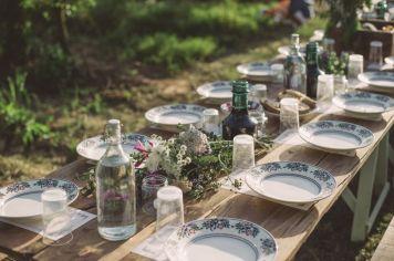 hello-table-setting-summer-15