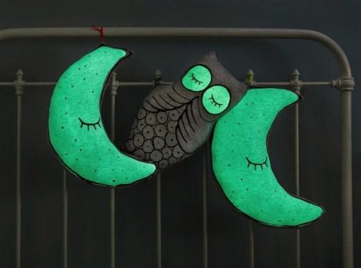 petit-m-coussin-chouette-lune-phosphorescent