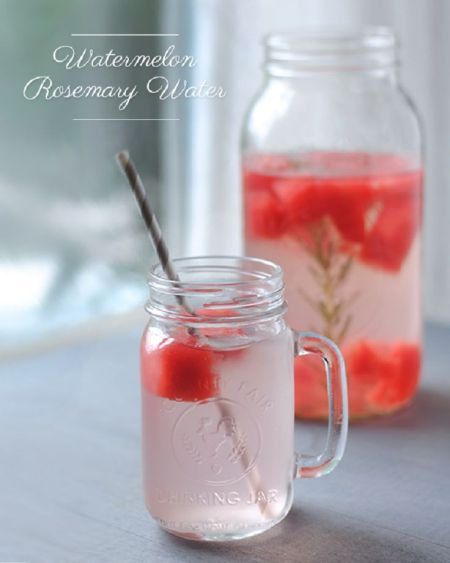 eau-infusee-aromatisee-pasteque-romarin