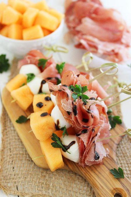 brochettes-melon-jambon-cru-mozarella
