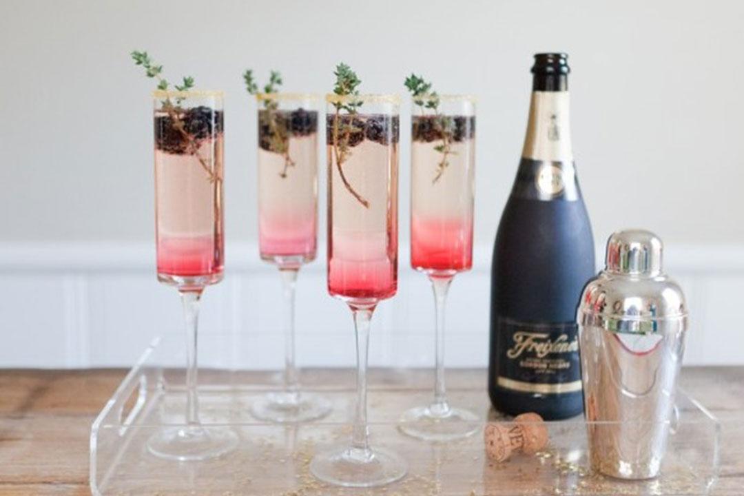 10 recettes de cocktails au champagne h ll blogzine. Black Bedroom Furniture Sets. Home Design Ideas