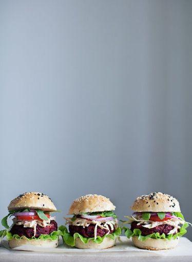 Veggie Burgers // Hëllø Blogzine blog deco & lifestyle www.hello-hello.fr