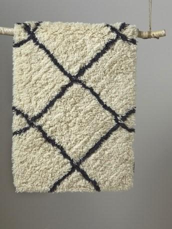 tapis berbere en laine pas cher // Hëllø Blogzine blog deco & lifestyle www.hello-hello.fr