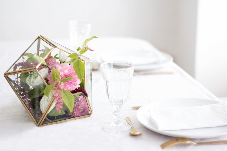 Ou Acheter De La Mousse Pour Piquer Des Fleurs diy - un terrarium fleuri - hëllø blogzine