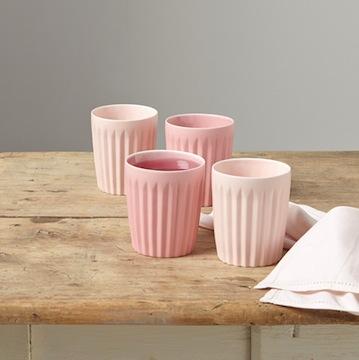 Tasses origami roses //Hëllø Blogzine blog deco & lifestyle www.hello-hello.fr #ceramique