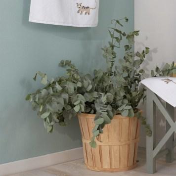 Panier en bambou et eucalyptus. Collection Déco Monoprix Rentrée 2017 // Hëllø Blogzine blog deco & lifestyle www.hello-hello.fr