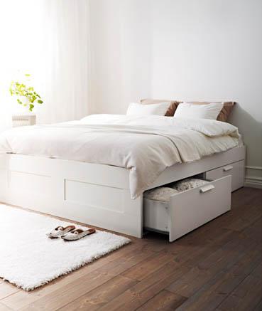 Lit avec tiroirs gain de place // Hëllø Blogzine blog deco & lifestyle www.hello-hello.fr