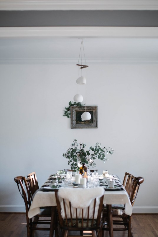 Table de fête nature, kinfolk, scandinave // Hellø Blogzine - Blog déco Lifestyle - www.hello-hello.fr