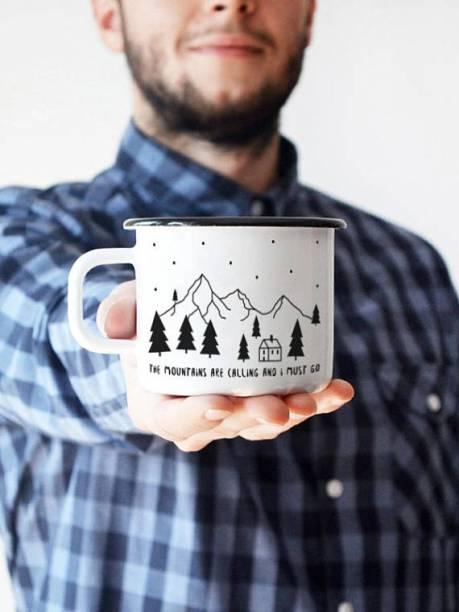 Mug en émail - Cadeaux pour hipster // Hëllø Blogzine blog deco & lifestyle www.hello-hello.fr