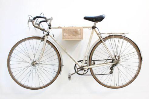 Support pour fixie - Cadeaux pour hipster // Hëllø Blogzine blog deco & lifestyle www.hello-hello.fr