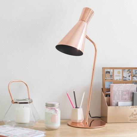 Lampe de bureau en cuivre Maisons du Monde // Hëllø Blogzine blog deco & lifestyle www.hello-hello.fr
