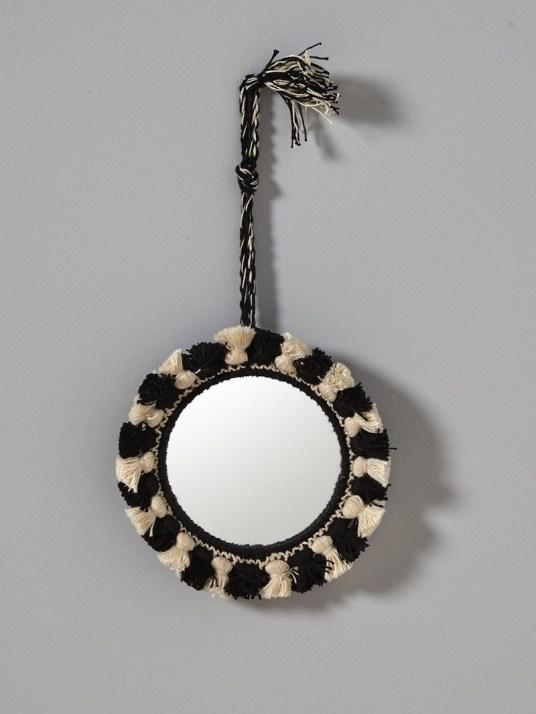 miroir-a-pompons-bicolores