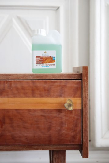 Voici comment peindre sans décaper et sans sous-couche un meuble vintage // Hëllø Blogzine blog deco & lifestyle www.hello-hello.fr