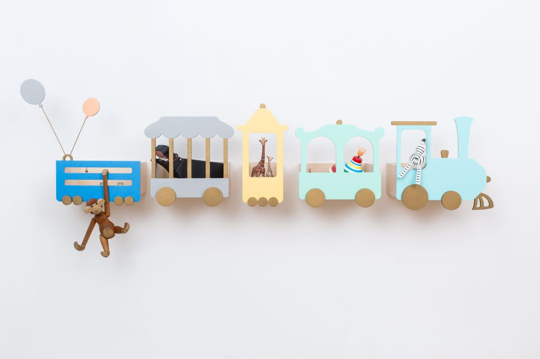 Etagere Avion pour enfant Up Warsaw // Hellø Blogzine blog deco & lifestyle www.hello-hello.fr