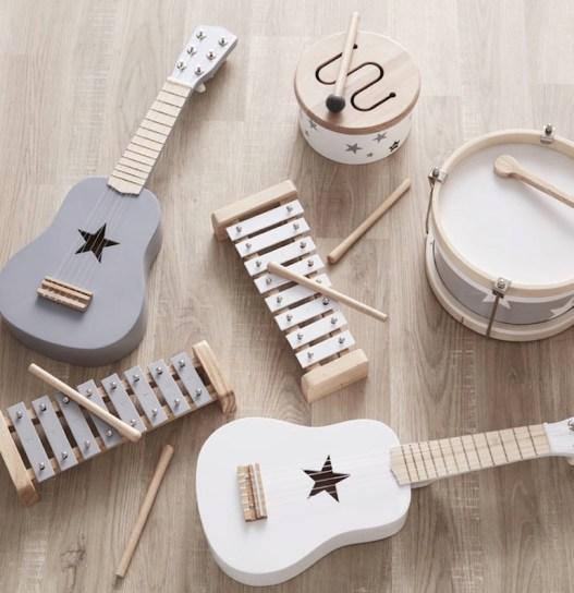Des cadeaux en bois pour une chambre d'enfant // Hellø Blogzine - blog déco lifestyle - www.hello-hello.fr