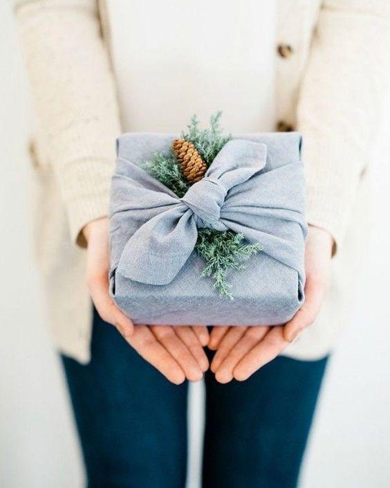 Idée paquet cadeau DIY rapide et original // Hellø Blogzine blog deco & lifestyle www.hello-hello.fr