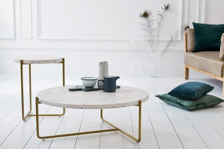 Table basse en terrazzo et laiton - terrazzo and brass coffee table // Hellø Blogzine - www.hello-hello.fr//