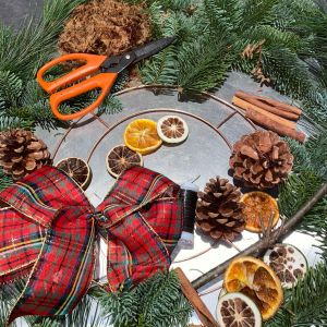 Hello Petal Florist Glasgow - DIY Christmas Wreath Making Kit