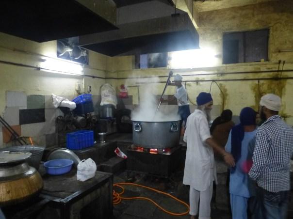 Delhi - 2013.10 - Gurudwara Sis Ganj (temple Sikh) (35)