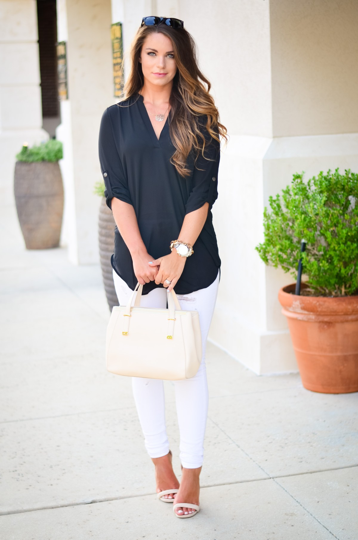 black tunic white jeans Aubrey Alley -4